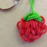 Strawberry loom charm tutorial
