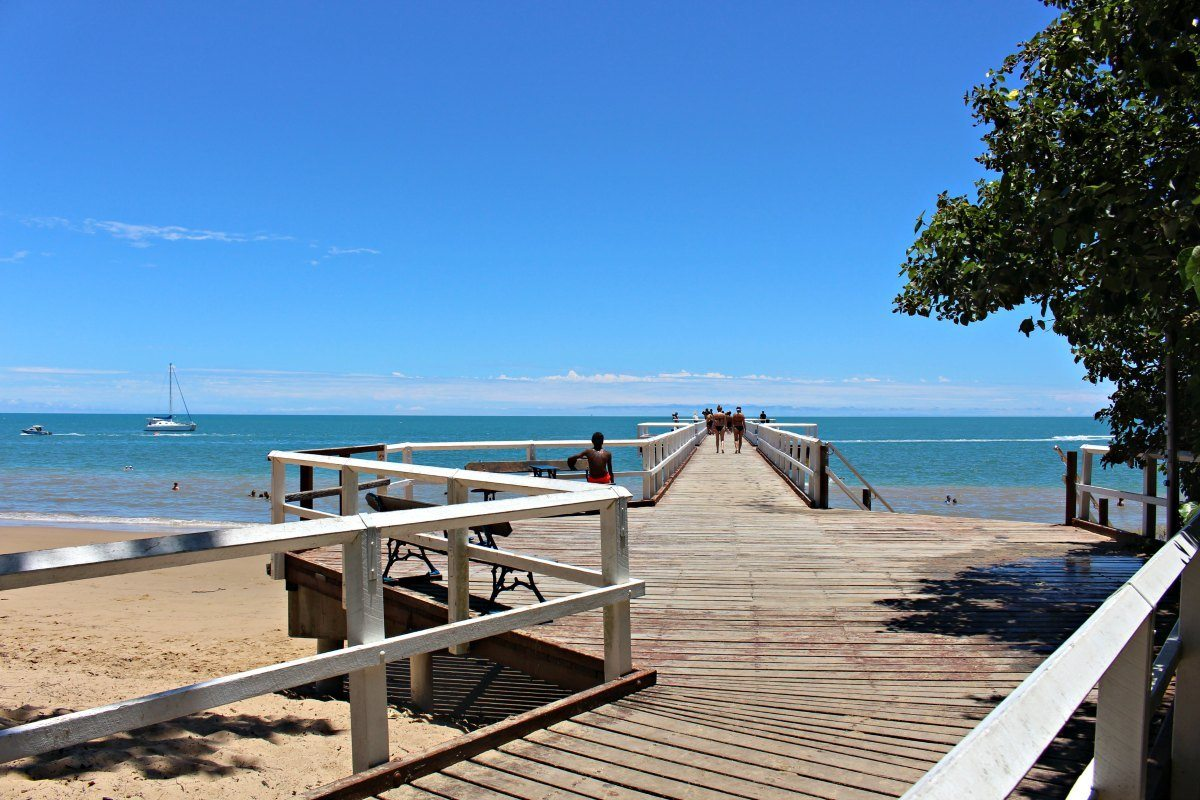 torquay pier hervey bay beaches